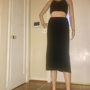 Dresses & Skirts - Women's Black Stretchy Mid Length Skirt- Medium